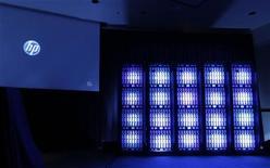 <p>Hewlett-Packard a annoncé mercredi une perte de 8,85 milliards de dollars au troisième trimestre, conséquence de la dépréciation massive de son activité de services, donnant une charge de 10,8 milliards de dollars liée pour l'essentiel au rachat d'EDS. /Photo d'archives/REUTERS/Robert Galbraith</p>