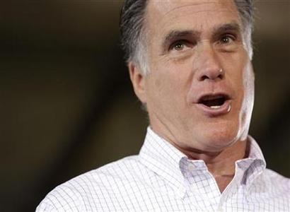 Republican U.S. presidential candidate Mitt Romney campaigns at LeClaire Manufacturing in Bettendorf, Iowa, August 22, 2012. REUTERS/John Gress