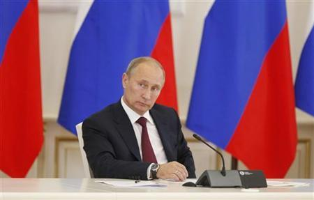 Russia's President Vladimir Putin chairs a meeting on inter-ethnic relations in Saransk, the capital of the Republic of Mordovia, August 24, 2012. REUTERS/Ria Novosti/Michael Klimentyev/Pool