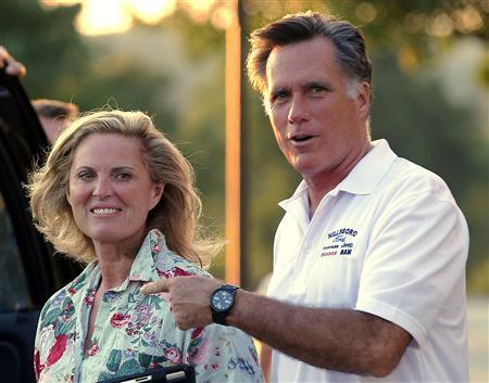 Republican presidential candidate and former Massachusetts Governor Mitt Romney points to his wife Ann after preparing for the upcoming Republican National Convention at Brewster Academy in Wolfboro, New Hampshire August 26, 2012. REUTERS/Brian Snyder