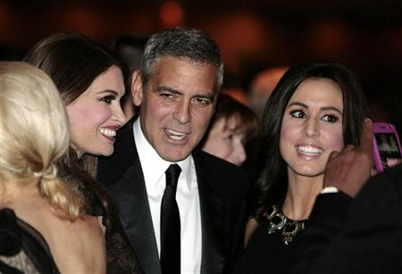 Actor George Clooney attends the White House Correspondents Association annual dinner in Washington April 28, 2012. REUTERS/Larry Downing