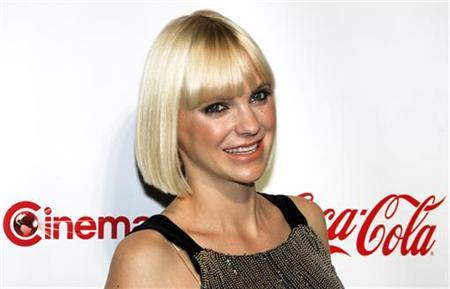 Actress Anna Faris arrives for the CinemaCon Big Screen Achievement Awards show at Caesars Palace in Las Vegas, Nevada April 26, 2012. REUTERS/Steve Marcus