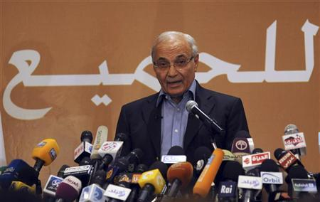 Ahmed Shafik speaks during a news conference in Cairo June 21, 2012. REUTERS/Stringer