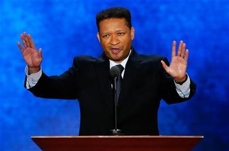 Former U.S. Rep. Artur Davis, who delivered a nominating speech for President Barack Obama at the Democratic National Convention in 2008, discusses his support of Republican presidential nominee Mitt Romney as he addresses the second session of the Republican National Convention in Tampa, Florida, August 28, 2012 REUTERS/Mike Segar