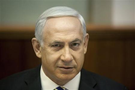 Israel's Prime Minister Benjamin Netanyahu attends the weekly cabinet meeting in Jerusalem August 26, 2012. REUTERS/Uriel Sinai/Pool