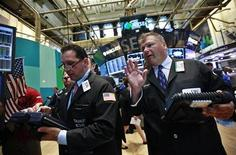 Traders work on the floor of the New York Stock Exchange, August 27, 2012. REUTERS/Brendan McDermid