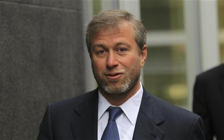 Russian billionaire and owner of Chelsea football club Roman Abramovich arrives at Commercial Court in London January 19, 2012. REUTERS/Olivia Harris