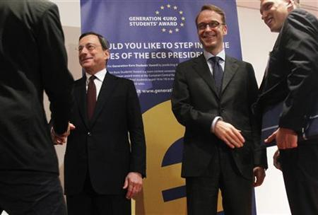 Mario Draghi (L), President of the European Central Bank (ECB) and Jens Weidmann (2nd R), President of German Bundesbank shake hands with students during the Generation Euro Students' Award ceremony at the ECB headquarters in Frankfurt June 20, 2012. REUTERS/Alex Domanski