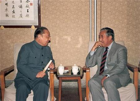 Xi Zhongxun (L), China's former premier and father of China's Vice President Xi Jinping, talks with Gyalo Thondup, brother of the Dalai Lama, in Beijing in 1987. For decades, Beijing has maintained that the Dalai Lama is a separatist, but Tibet's exiled spiritual leader once had a special relationship with the father of Xi Jinping, the man in line to become China's next president. REUTERS/Stringer
