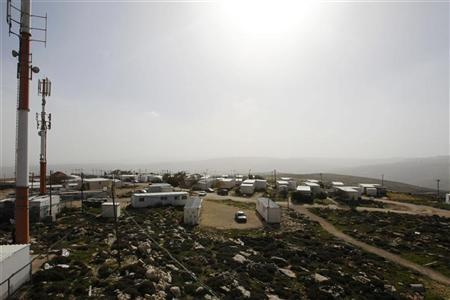 A general view shows temporary homes in the unauthorized Jewish outpost of Migron near the West Bank city of Ramallah February 8, 2012. REUTERS/Baz Ratner