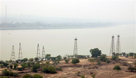 A view of oil wells in Myanmar's village of Chauk, home to one of the longest producing oil fields in the world, is seen in this April 1, 2012 file photograph. REUTERS/Staff/Files