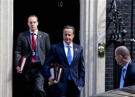 Britain's Prime Minister David Cameron leaves Downing Street in London, September 5, 2012. REUTERS/Neil Hall