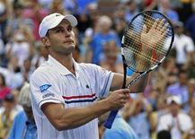 Andy Roddick se emociona após ser derrotado pelo argentino Juan Martin Del Potro no Aberto dos EUA. 05/09/2012. REUTERS/Kevin Lamarque
