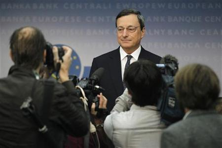European Central Bank (ECB) President Mario Draghi arrives for the monthly news conference in Frankfurt September 6, 2012. REUTERS/Alex Domanski