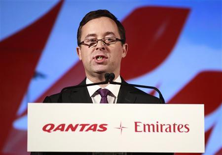 Qantas Chief Executive Officer Alan Joyce gives a speech during a news conference in central Sydney September 6, 2012. REUTERS/Daniel Munoz