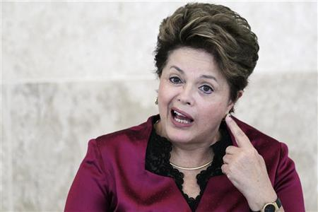 Brazil's President Dilma Rousseff participates in the meeting of the Economic and Social Development at the Planalto Palace in Brasilia August 30, 2012. REUTERS/Ueslei Marcelino