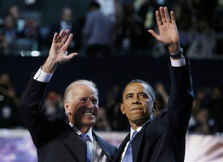 U.S. President Barack Obama (R) and Vice President Joe Biden wave at the end of the final session of the Democratic National Convention in Charlotte, North Carolina, September 6, 2012. REUTERS/Eric Thayer (UNITED