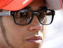 Lewis Hamilton, da McLaren, é visto após o treino livre do Grande Prêmio de F1 da Itália, no circuito de Monza. 07/09/2012 REUTERS/Giorgio Perottino