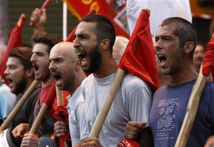 Protesters from the communist-affiliated trade union PAME shout slogans during a rally in the city of Thessaloniki in northern Greece September 8, 2012. REUTERS-John Kolesidis