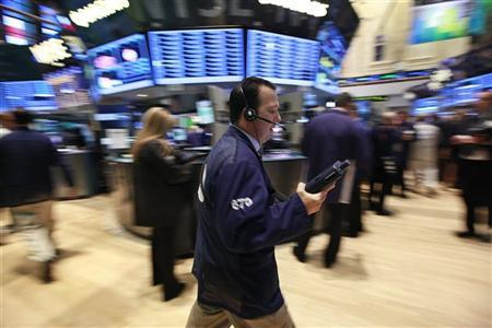 Traders work on the floor of the New York Stock Exchange, September 7, 2012. REUTERS/Brendan McDermid