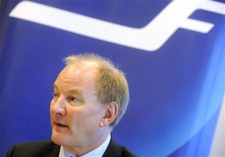 Finnair's Chief Executive Officer Mika Vehvilainen speaks about the third quarter financial results during a news conference in Vantaa October 28, 2010. REUTERS/Vesa Moilanen/Lehtikuva