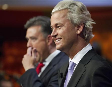 Dutch Freedom Party leader Geert Wilders (R) and Socialist Party leader Emile Roemer are seen during a political debate in Hilversum August 30, 2012. REUTERS/Michael Kooren