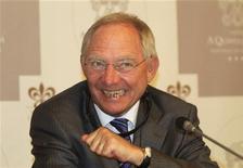 <p>Dans un discours au Parlement, le ministre des Finances allemand, Wolfgang Schäuble, a déclaré mardi que l'économie allemande était en phase de ralentissement mais que les craintes d'une grande perte de vitesse étaient excessives. /Photo prise le 30 avril 2012/REUTERS/Miguel Vidal</p>