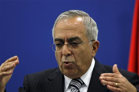 Palestinian Prime Minister Salam Fayyad addresses the media during a news conference in the West Bank city of Ramallah September 11, 2012. REUTERS/Mohamad Torokman