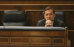 Spanish Prime Minister Mariano Rajoy gestures during a parliamentary session at Spanish parliament in Madrid September 12, 2012. REUTERS/Andrea Comas