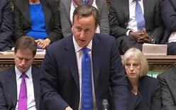 O primeiro-ministro britânico, David Cameron, pronuncia-se à Câmara dos Comuns após a publicação de um relatório independente sobre o desastre de 1989 de Hillsborough em Londres, no Reino Unido. 12/08/2012 REUTERS/Parlamento Britânico/Pool