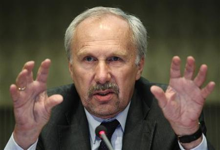 European Central Bank (ECB) Governing Council member Ewald Nowotny of Austria addresses a news conference in Vienna, June 8, 2012. REUTERS/Heinz-Peter Bader