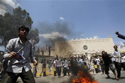Yemeni protesters storm U.S. embassy compound in Sanaa