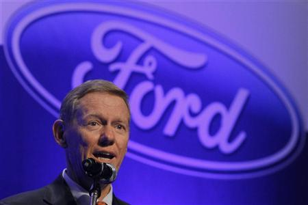 Ford Motor Company President and Chief Executive Alan Mulally answers a reporter's question during a news conference at a hotel in Seoul August 31, 2012. REUTERS/Kim Hong-Ji