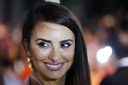 Actress Penelope Cruz arrives for the gala presentation of ''Twice Born'' at the 37th Toronto International Film Festival, September 13, 2012. REUTERS/Mark Blinch