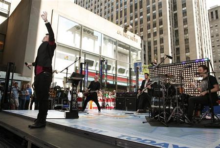 Danny O'Donoghue (L) performs with his band The Script on NBC's ''Today'' show in New York June 10, 2011. REUTERS/Brendan McDermid