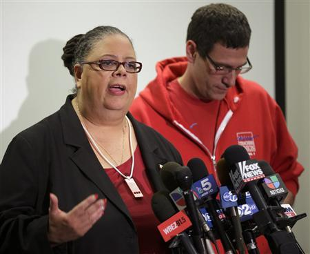Chicago Teachers Union President Karen Lewis (L) answers a question next to Vice President Jesse Sharkey during a news conference on the seventh day of their strike in Chicago September 16, 2012. REUTERS/John Gress