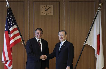 U.S. Secretary of Defense Leon Panetta (L) shakes hands with Japan's Minister of Defense Satoshi Morimoto at the Ministry of Defense in Tokyo, September 17, 2012. REUTERS/Shizuo Kambayashi/Pool