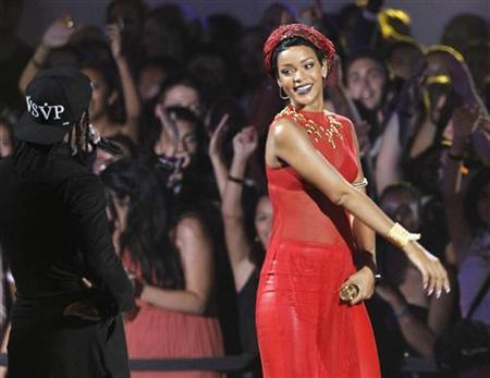 Rihanna performs ''Cockiness'' with A$AP Rocky (L) during the 2012 MTV Video Music Awards in Los Angeles, September 6, 2012. REUTERS/Mario Anzuoni