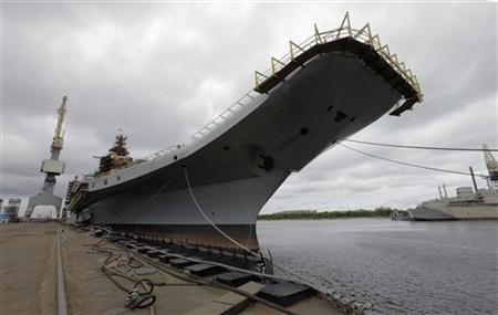 Admiral Gorshkov, a Soviet-era aircraft carrier that was bought by India, is anchored at the Sevmash factory in the northern city of Severodvinsk July 2, 2009. REUTERS/Alexander Zemlianichenko/Pool/Files
