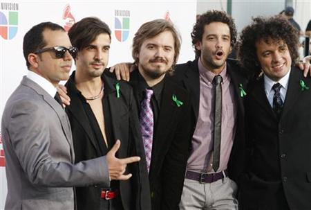 Members of the Venezuelan band Los Amigos Invisibles pose at the 10th annual Latin Grammy awards in Las Vegas, Nevada November 5, 2009. REUTERS/Steve Marcus