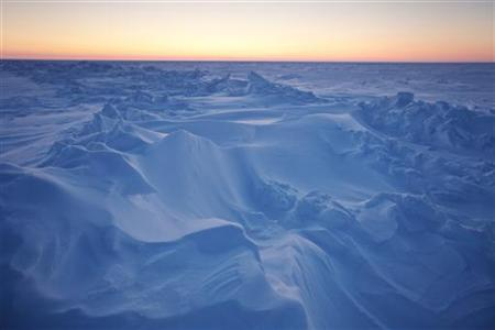The sun sets over Arctic ice near the 2011 Applied Physics Laboratory Ice Station north of Prudhoe Bay, Alaska in this March 18, 2011 picture. REUTERS/Lucas Jackson