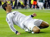 Cristiano Ronaldo comemora gol do Real Madrid na vitória por 3 x 2 sobre o Manchester City na terça-feira. REUTERS/Felix Ordonez