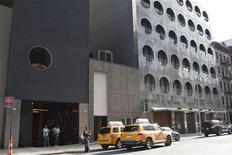 """Entrada do hotel """"Dream Downtown"""", em Nova York. Atriz Lindsay Lohan foi presa por abandonar o local de um acidente, após ter atropelado um pedestre quando seguia em seu Porsche para um hotel em Manhattan. 19/09/2012 REUTERS/Andrew Burton"""