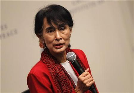 Myanmar's Opposition leader Aung San Suu Kyi speaks at the United States Institute of Peace in Washington, September 18, 2012. REUTERS/Jason Reed
