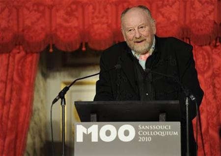 Danish cartoonist Kurt Westergaard, whose drawings of Mohammed offended Muslims worldwide, delivers his acceptance speech after receiving the M100 media prize during the award ceremony in Potsdam, September 8, 2010. REUTERS/Odd Andersen/Pool