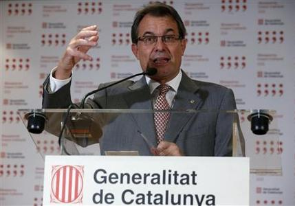 Catalan President Artur Mas of the conservative Convergence and Union, or CiU, talks during a news conference after his meeting with Spain's Prime Minister Mariano Rajoy in Madrid September 20, 2012. REUTERS/Andrea Comas