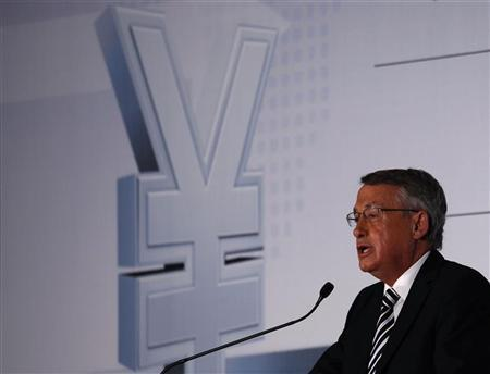 Australian Treasurer Wayne Swan speaks during the RMB Cross- border Trade and Investment Forum at Hong Kong government headquarters July 11, 2012. REUTERS/Bobby Yip