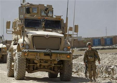 U.S. troops arrive near the site of an incident in Kabul August 2, 2012. REUTERS/Omar Sobhani