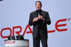 Oracle CEO Larry Ellison talks during his keynote address at Oracle Open World in San Francisco, California in this September 22, 2010 file photo. Oracle Corp reported September 20, 2012 that quarterly hardware sales tumbled 24 percent from a year earlier as the technology giant struggled to turn around its Sun computer division at a time when businesses are tightening technology budgets. REUTERS/Robert Galbraith