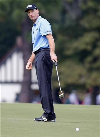 Jim Furyk of the U.S. watches his birdie putt on the sixth hole during the second round of the Tour Championship golf tournament at the East Lake Golf Club in Atlanta, Georgia, September 21, 2012. REUTERS/Tami Chappell